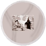 Little Girl In 1946 Round Beach Towel