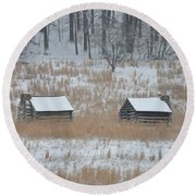 Log Cabins In Valley Forge Round Beach Towel