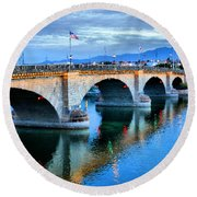 London Bridge At Sunrise Round Beach Towel