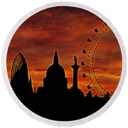 London Skyline At Dusk Round Beach Towel