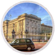 London Taxi And Buckingham Palace  Round Beach Towel