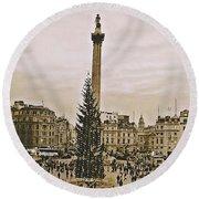 London's Trafalgar Square Round Beach Towel