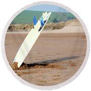 Lone Surfboard Round Beach Towel