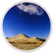 Lonely Cloud Over Sand Dunes At Bruneau Dunes State Park Idaho Usa Round Beach Towel