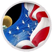 Long May She Wave The American Flag Round Beach Towel