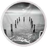 Long Silence Round Beach Towel