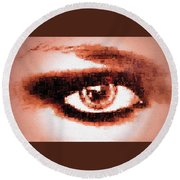 Look Into My Eye Round Beach Towel
