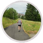 Loop Trail Runner Round Beach Towel