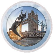 Lost In A Daydream - Floating On The Thames Round Beach Towel