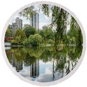 Lost Lagoon, Vancouver Round Beach Towel