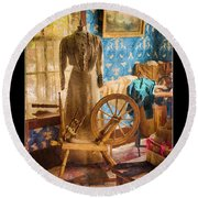 Love Of Sewing Poster Round Beach Towel