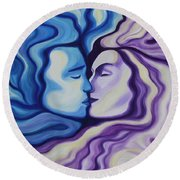 Lovers In Eternal Kiss Round Beach Towel