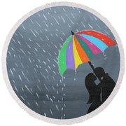 Lovers In The Rain Round Beach Towel