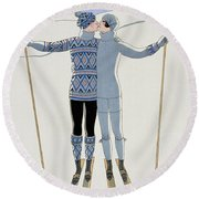 Lovers In The Snow Round Beach Towel