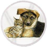 Loving Cat And Dog Round Beach Towel