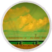 Low And Low Green Building Round Beach Towel