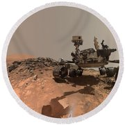 Low-angle Self-portrait Of Nasa's Curiosity Mars Rover Round Beach Towel