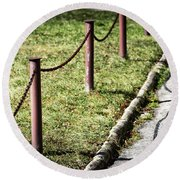 low fence Chain Round Beach Towel