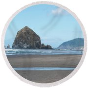 Low Tide At Cannon Beach Round Beach Towel