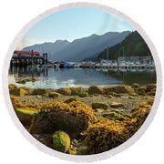 Low Tide At Horseshoe Bay Canada Round Beach Towel