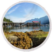 Low Tide At Horseshoe Bay Canada On A Sunny Day Round Beach Towel