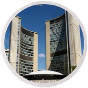 Lunchtime At Nathan Philips Square Toronto City Hall Round Beach Towel