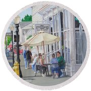 Lunchtime In Florence, Or Round Beach Towel