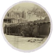 Mabel's Courtyard As Antique Print Round Beach Towel