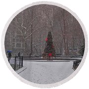 Madison Square Park In The Snow At Christmas Round Beach Towel