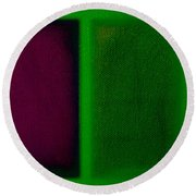 Magenta On Green Round Beach Towel