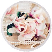 Magnolia Flowers With Pearls Round Beach Towel