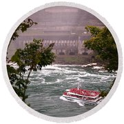 Maid Of The Mist Canadian Boat Round Beach Towel