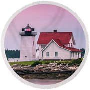 Maine Hendricks Head Lighthouse In Southport At Sunset Round Beach Towel