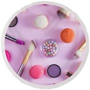 Make Up And Sweets Round Beach Towel