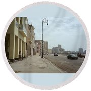 Malecon En Havana Round Beach Towel