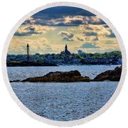 Marblehead Points To The Ocean Round Beach Towel
