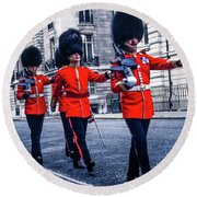 Marching Grenadier Guards Round Beach Towel