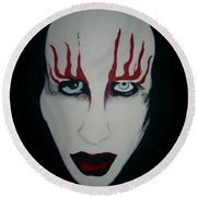Face Black White Red Round Beach Towel