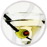 Martini With Green Olive Round Beach Towel