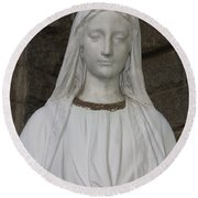 Mary Statue At Sacred Heart In Tampa Round Beach Towel