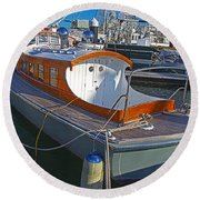 Mb 172 Epic Lass In Darling Harbour Round Beach Towel