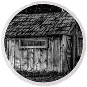 Meadow Shelter - Bw Round Beach Towel