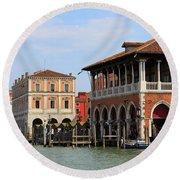 Mercato Di Rialto In Venice Italy Round Beach Towel