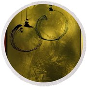 Merry Christmas Greetings In Soft Yellow Round Beach Towel