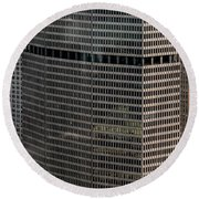 Metlife Building - 200 Park Avenue In Nyc Round Beach Towel