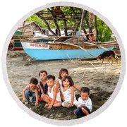 Mia-gao Fishing Children 1 Round Beach Towel