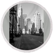 Michigan Ave Tall B-w Round Beach Towel
