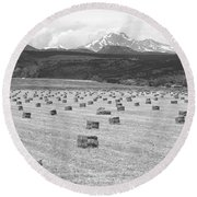 Mid June Colorado Hay  And The Twin Peaks Longs And Meeker Bw Round Beach Towel