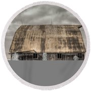Midwestern Barn Round Beach Towel
