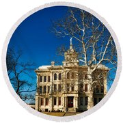 Milam County Courthouse Round Beach Towel